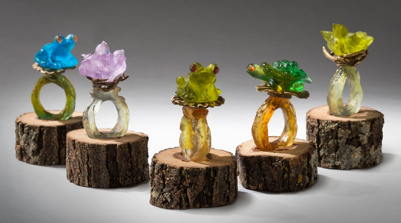 glass sculpture: glass rings